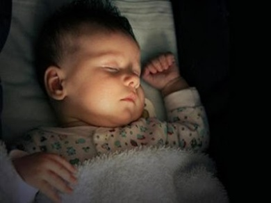 caf91-tidurmalammatikanlampu-ilustrasi